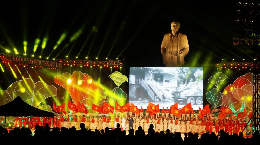 Nghệ An Nhiều hoạt động ý nghĩa kỷ niệm 130 năm ngày sinh Chủ tịch Hồ Chí Minh