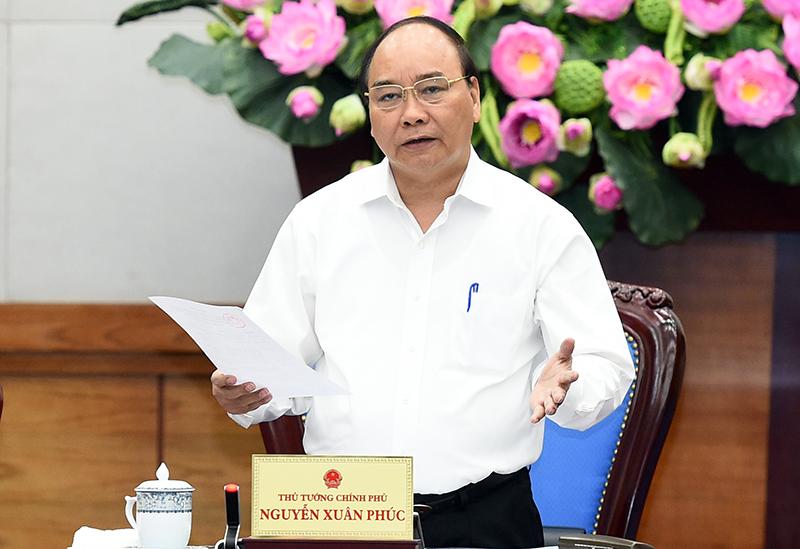 Thủ tướng yêu cầu tiếp tục ngăn chặn, hạn chế tối đa lây lan COVID-19 ra cộng đồng