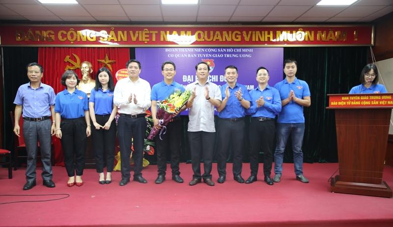 Tuổi trẻ Báo điện tử Đảng Cộng sản Việt Nam đoàn kết, tiên phong, xung kích, sáng tạo