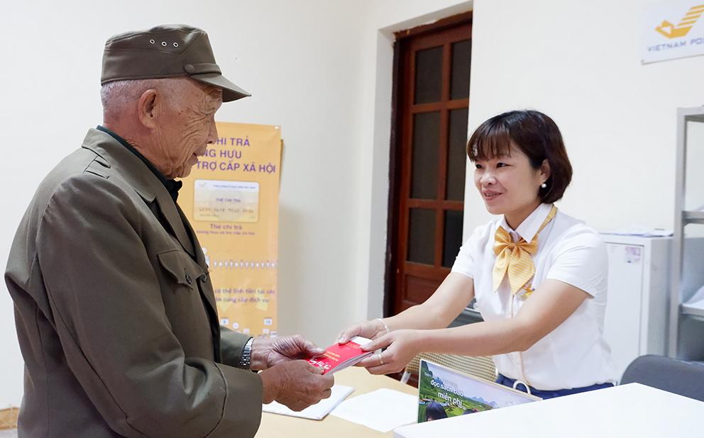Chi trả lương lương hưu, trợ cấp BHXH qua bưu điện trong thời gian dịch COVID-19