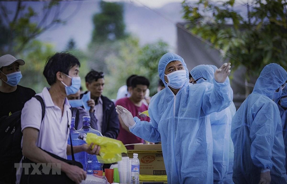 Số ca mắc COVID-19 tăng lên 148, Bộ Y tế khuyến cáo người dân không ra đường