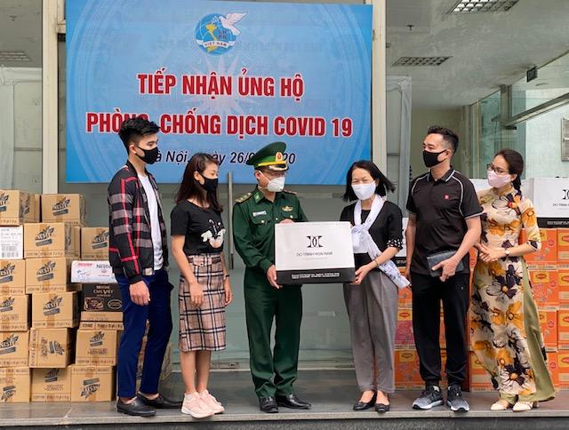 Trung ương Hội Liên hiệp Phụ nữ Việt Nam tiếp nhận ủng hộ phòng, chống dịch COVID-19