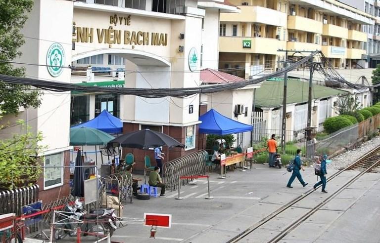 Cán bộ y tế Bệnh viện Bạch Mai cách ly tại khách sạn ở Hà Đông