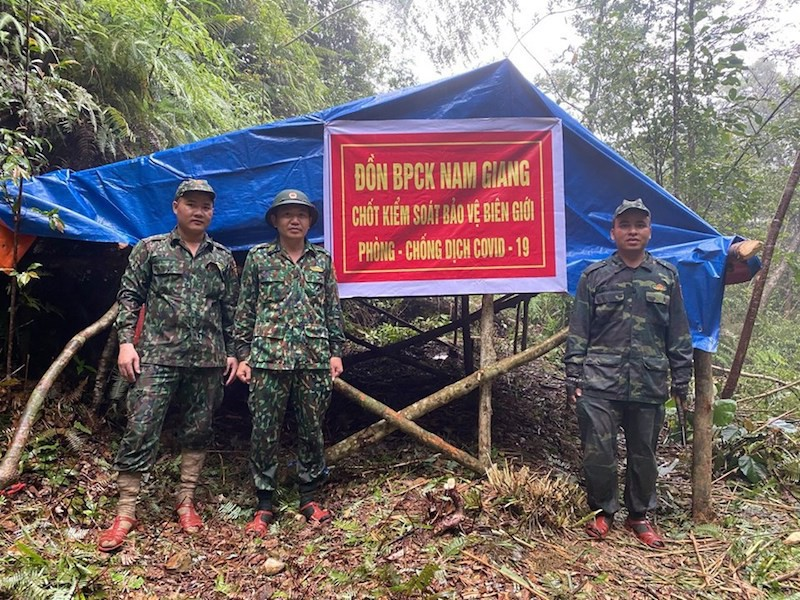 Tạm dừng các hoạt động qua lại biên giới Việt Nam – Campuchia và Việt Nam – Lào