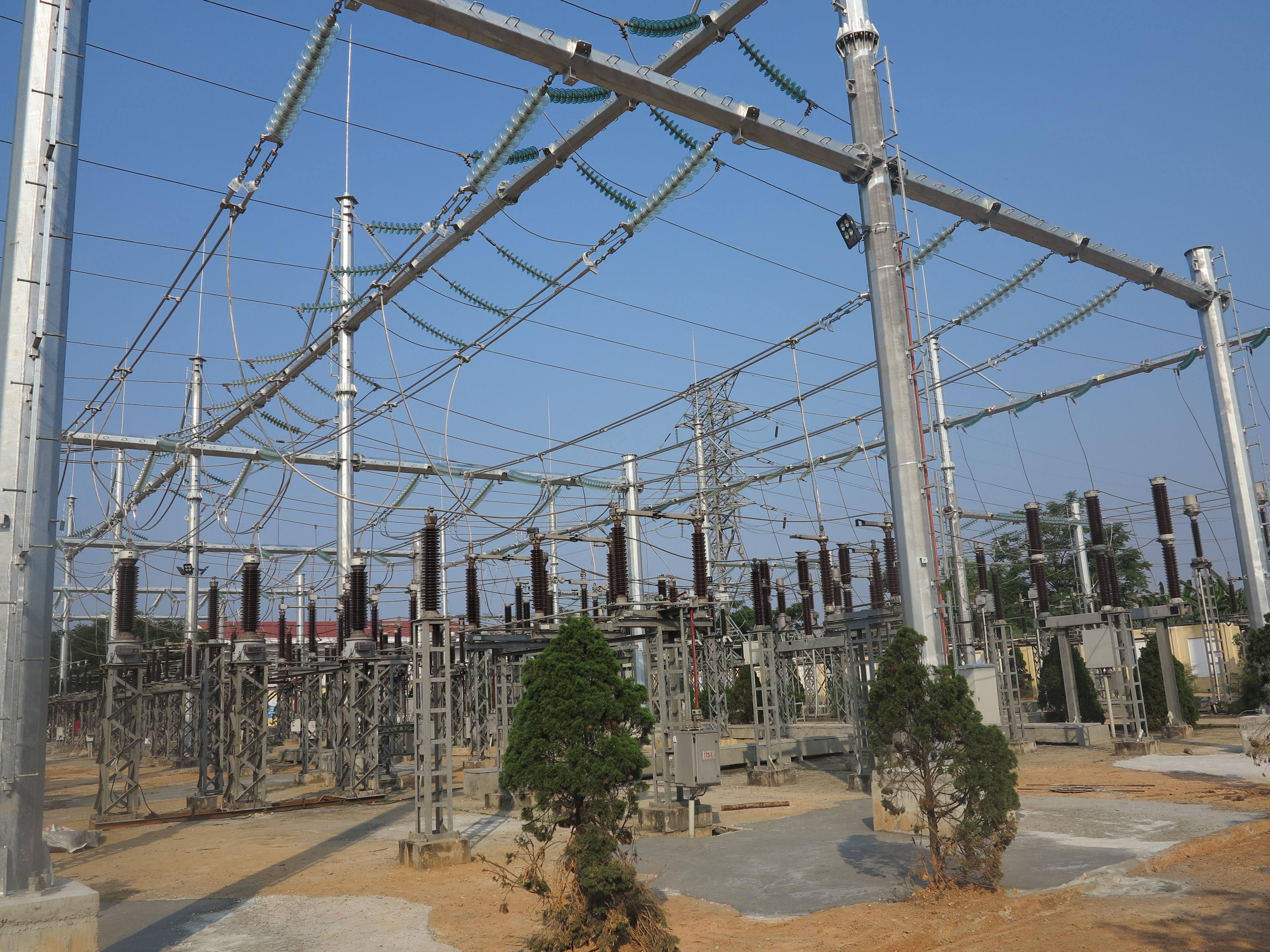 """Đóng điện vận hành Dự án """"Hoàn thiện hệ thống phân phối ngoài trời TBA 220kV Đồng Hới''"""