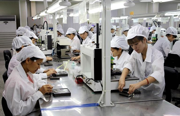 Hỗ trợ lao động Việt Nam làm việc ở nước ngoài mất việc vì COVID-19