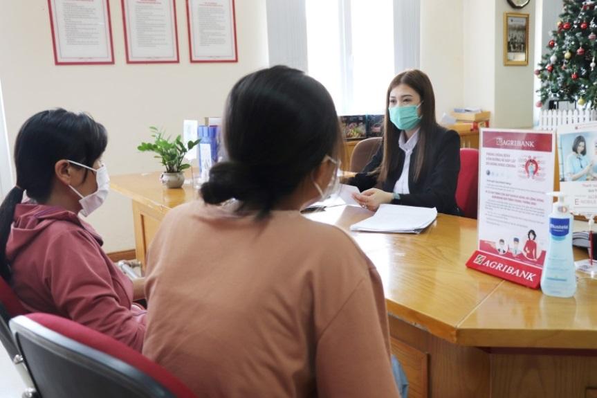 Agribank miễn phí chuyển tiền ủng hộ quyên góp phòng chống dịch bệnh Covid-19 và hạn hán xâm nhập mặn tại Đồng bằng Sông Cửu Long