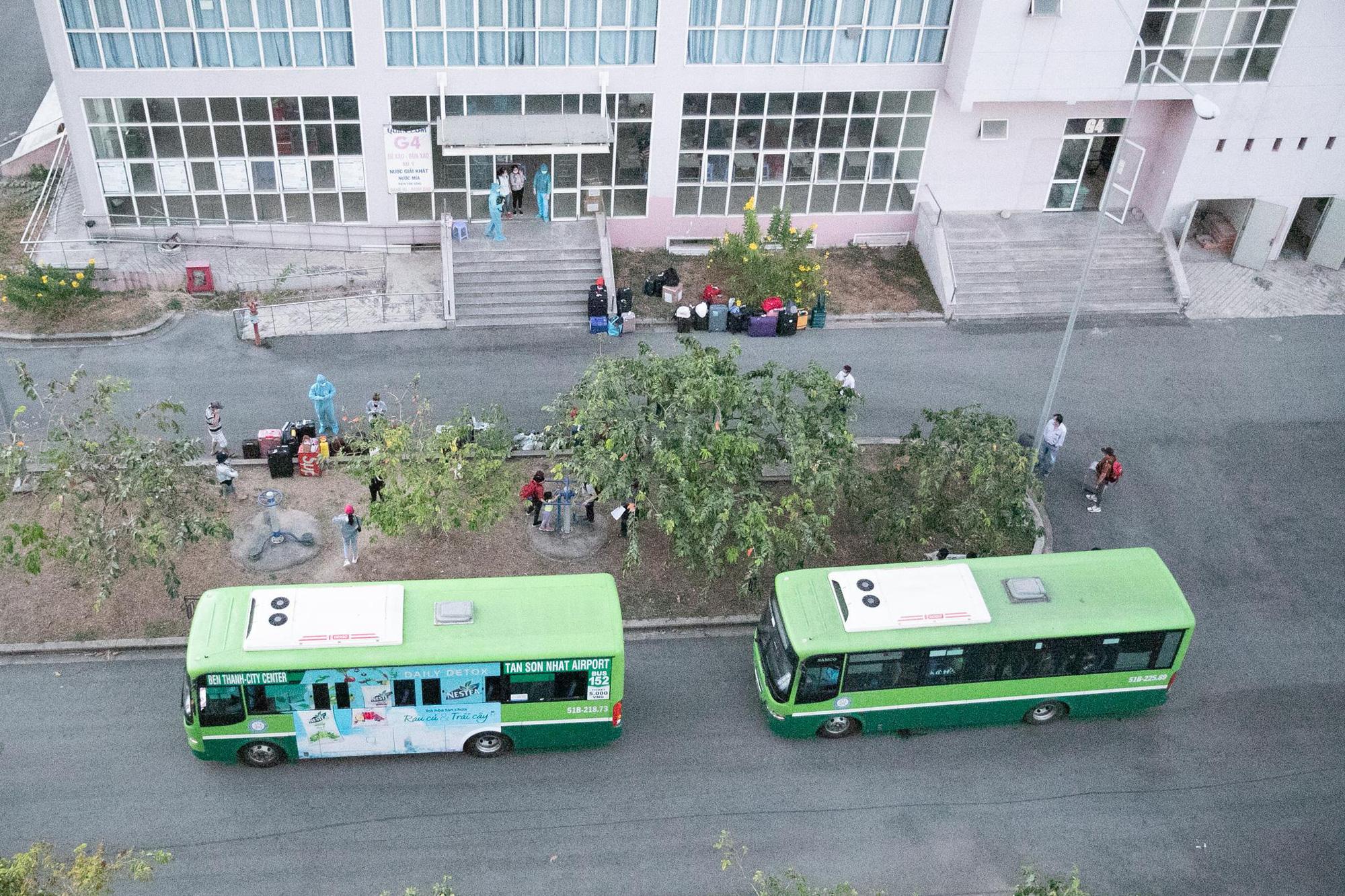 Chuẩn bị cho hàng ngàn người cách ly tại ĐHQG TP Hồ Chí Minh trở về gia đình an toàn