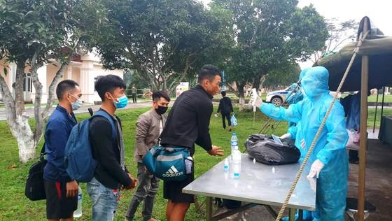 Công dân Việt Nam tại Lào thực hiện nghiêm phòng, chống dịch COVID-19