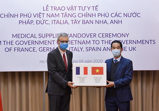 Truyền thông Đức đánh giá cao Việt Nam hỗ trợ các nước châu Âu chống dịch COVID-19