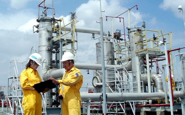 Ngành dầu khí cần triển khai các giải pháp đối phó với tác động kép của dịch Covid-19 và giá dầu giảm sâu