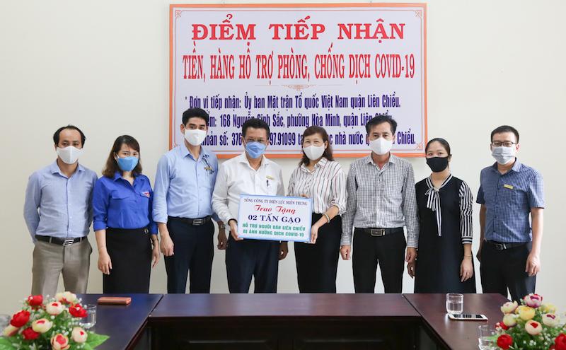 EVNCPC trao 14 tấn gạo cho người nghèo bị ảnh hưởng của dịch COVID-19