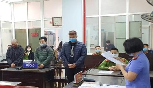 25 tháng tù cho các bị cáo chống đối lực lượng chống dịch