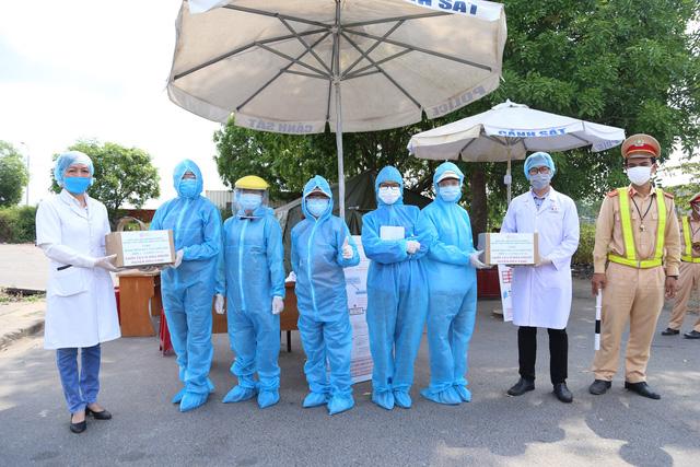 Đại học Đông Á hỗ trợ phòng, chống dịch