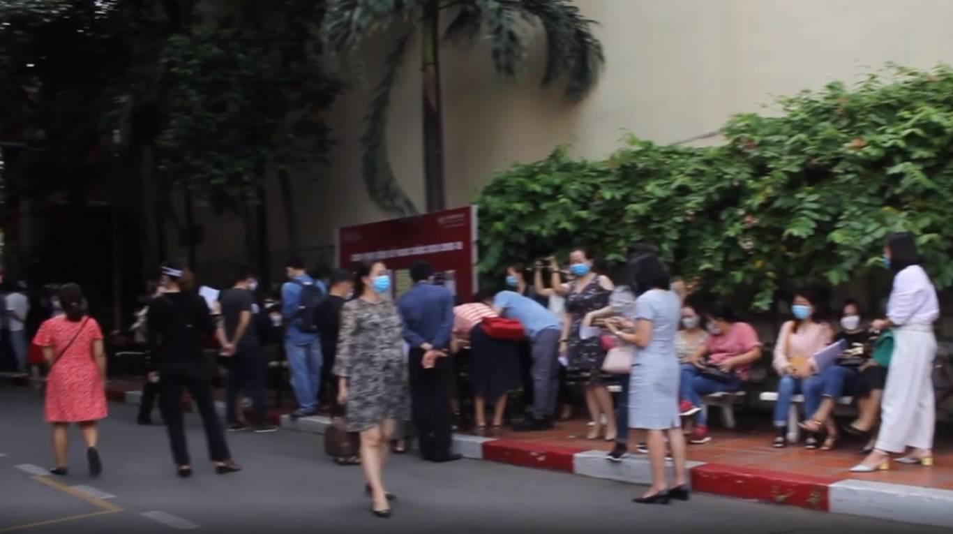 Phụ huynh học sinh Trường Quốc tế Việt Úc tiếp tục phản đối chính sách học phí