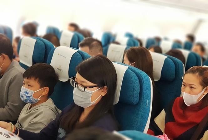 Bãi bỏ quy định giới hạn giãn cách ghế ngồi trên máy bay