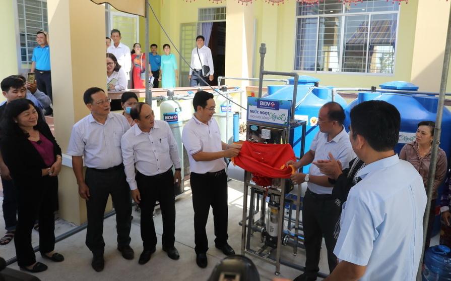 BIDV giúp 23 tỷ đồng hỗ trợ bồn chứa nước và máy lọc nước cho đồng bào tại 5 tỉnh khu vực ĐBSCL