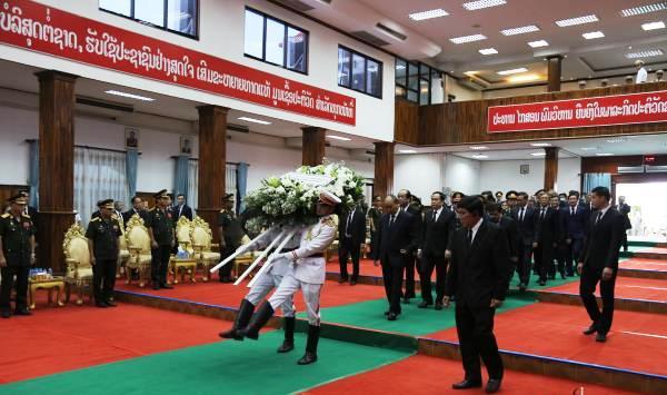 Thủ tướng Chính phủ Nguyễn Xuân Phúc dự Quốc tang Đại tướng Xỉ-xạ-vạt Kẹo-bun-phăn