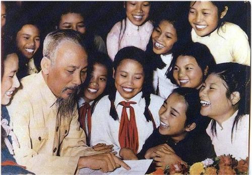 Hồ Chí Minh đẹp nhất tên Người
