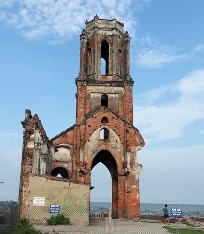 Nhà thờ đổ Hải Lý – chứng tích về hệ quả của biến đổi khí hậu  