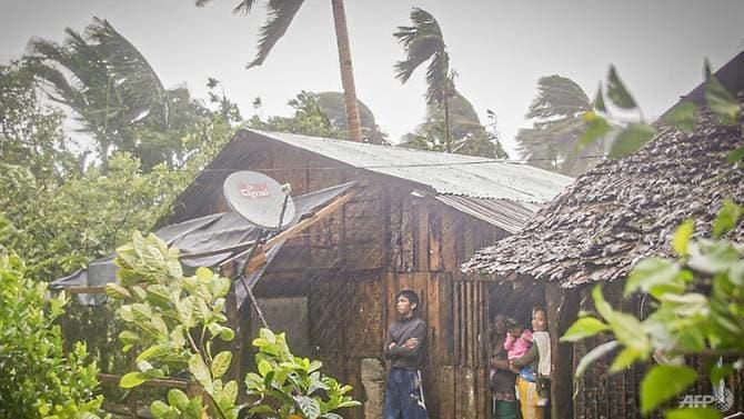 Bão Vongfong đổ bộ Philippines