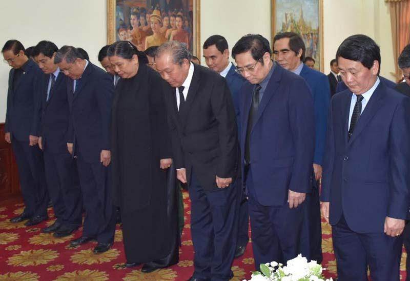 Lãnh đạo Đảng, Nhà nước, MTTQ Việt Nam và TP Hà Nội viếng Đại tướng Sisavath Keobounphanh