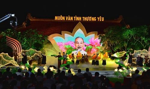 Bài 3 Học tập và làm theo tấm gương đạo đức Hồ Chí Minh trên quê hương Bác