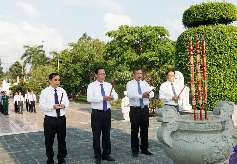 Bến Tre Nhiều hoạt động ý nghĩa kỷ niệm 130 năm Ngày sinh Chủ tịch Hồ Chí Minh