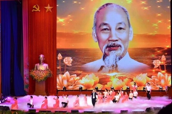 Hồ Chí Minh - Nguồn cảm hứng bất tận về cách mạng và văn hóa