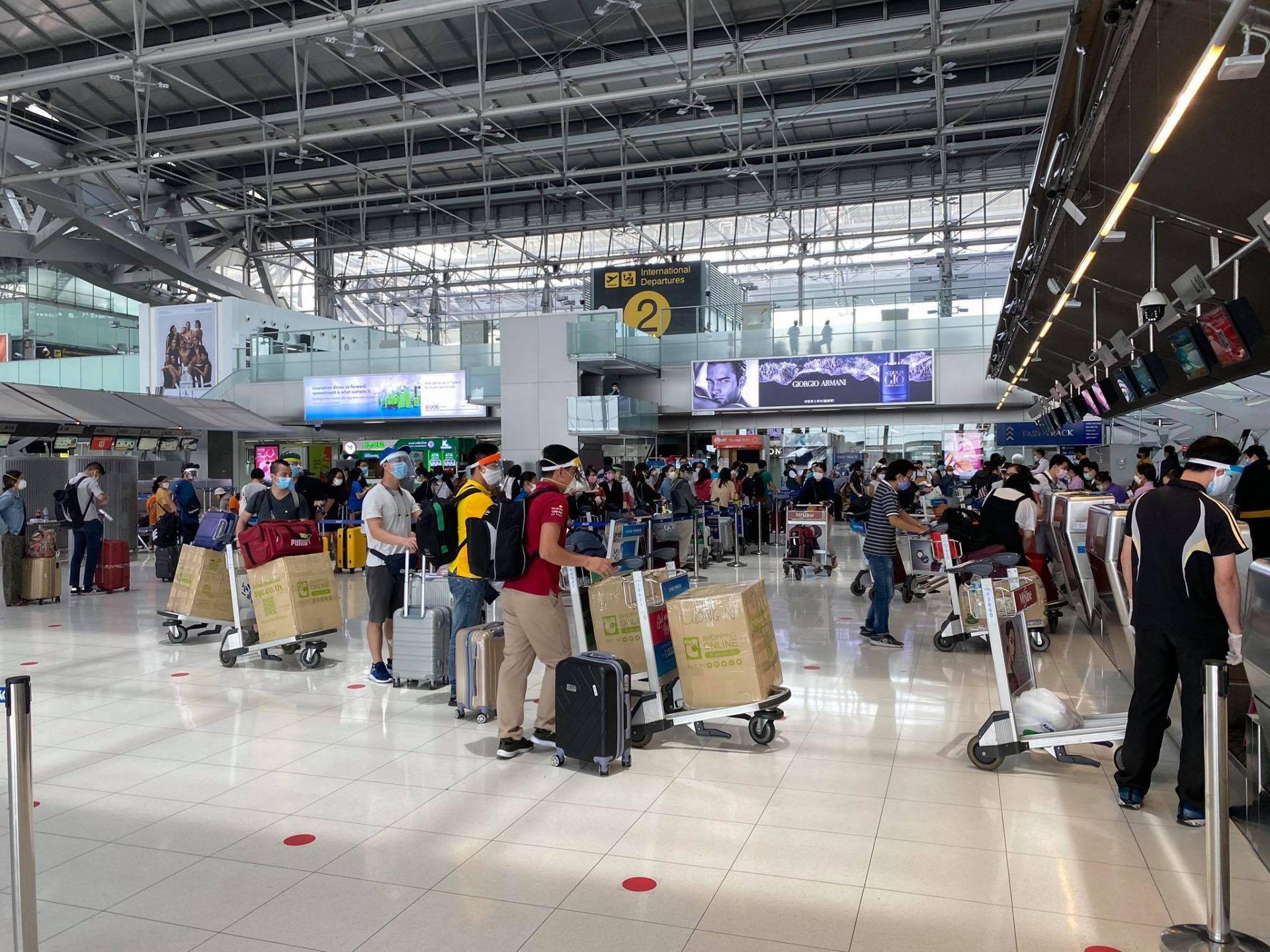 Đưa gần 300 công dân Việt Nam từ Thái Lan về nước