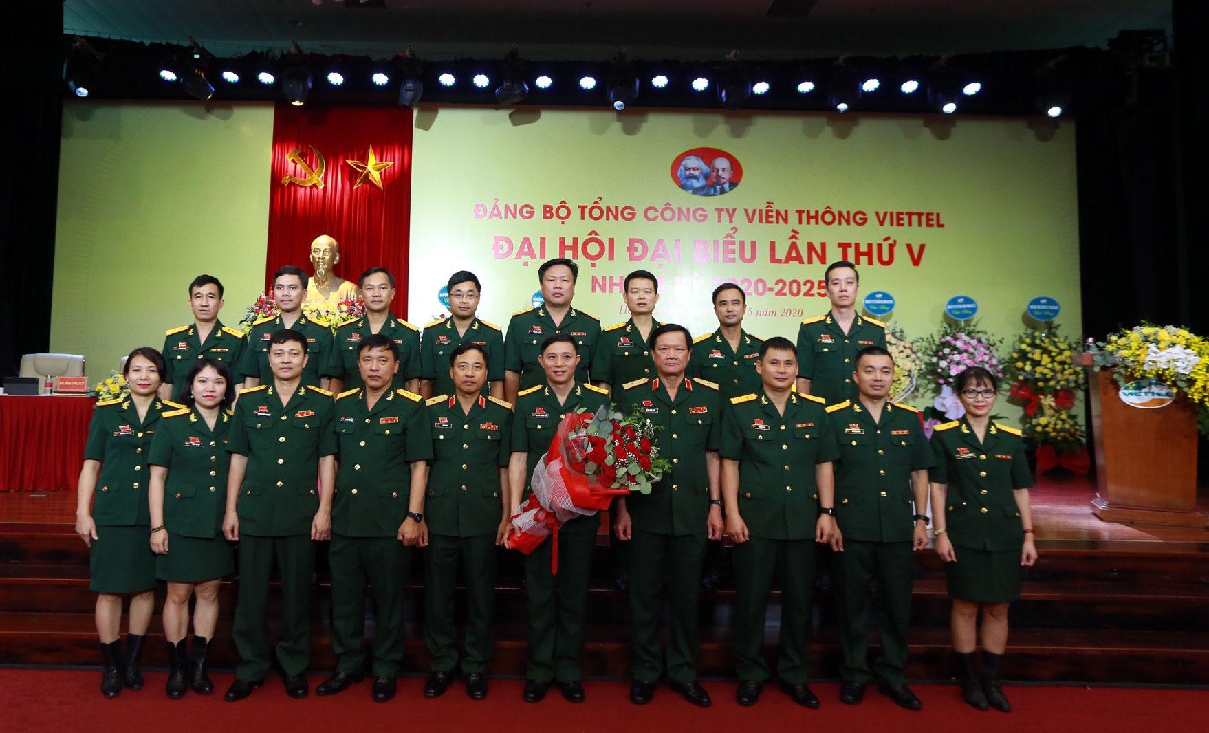 Đảng bộ Viettel Telecom tổ chức đại hội điểm toàn quân