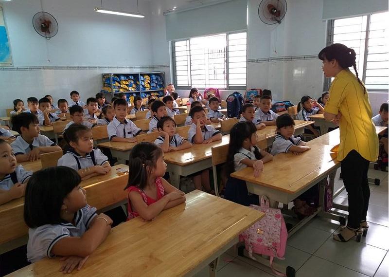 UBND TP Hồ Chí Minh chỉ đạo về việc chọn SGK lớp 1