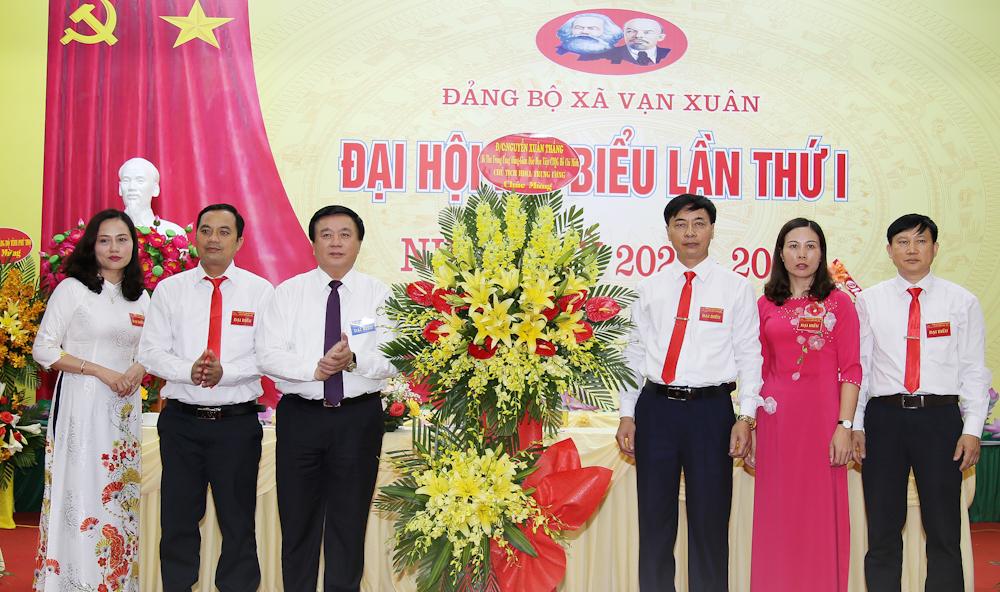 Phú Thọ Đoàn công tác Ban Bí thư Trung ương Đảng dự Đại hội Đảng bộ xã mới Vạn Xuân