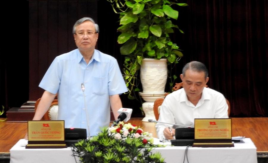 Đồng chí Trần Quốc Vượng làm việc với Đảng bộ TP Đà Nẵng