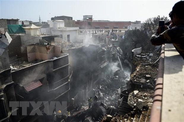 Rơi máy bay ở Pakistan, ít nhất 41 người được xác nhận thiệt mạng