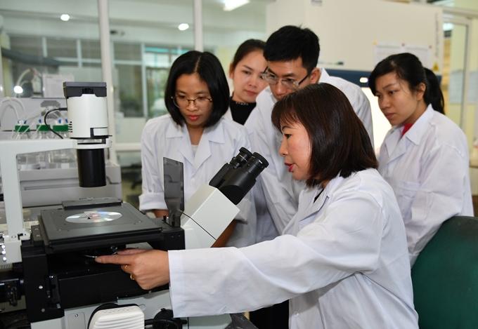 Nhà khoa học gắn sự nghiệp với vùng khó khăn