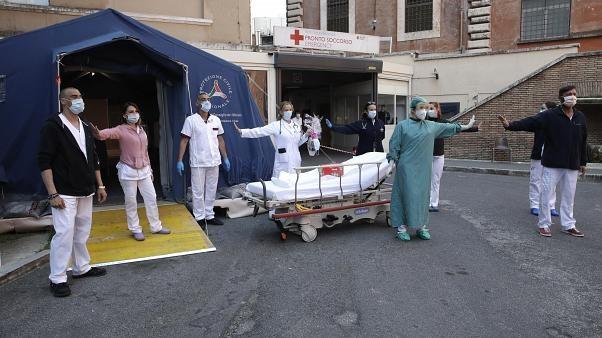 Dịch COVID-19 Tổng số ca nhiễm toàn thế giới vượt 5,4 triệu người