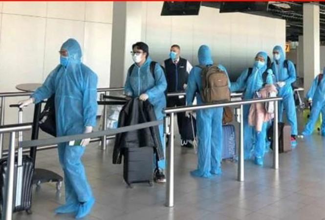 TP Hồ Chí Minh cách ly hơn 300 hành khách từ châu Âu