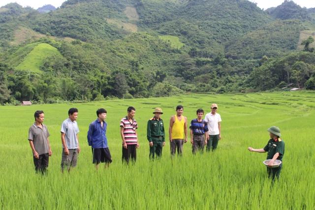 Nghĩa tình quân dân bên suối Ka Loong