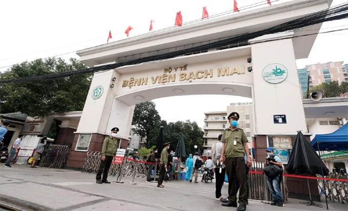 Bệnh viện Bạch Mai sẽ giải thể các đơn vị dịch vụ, hướng tới xóa sổ giường yêu cầu