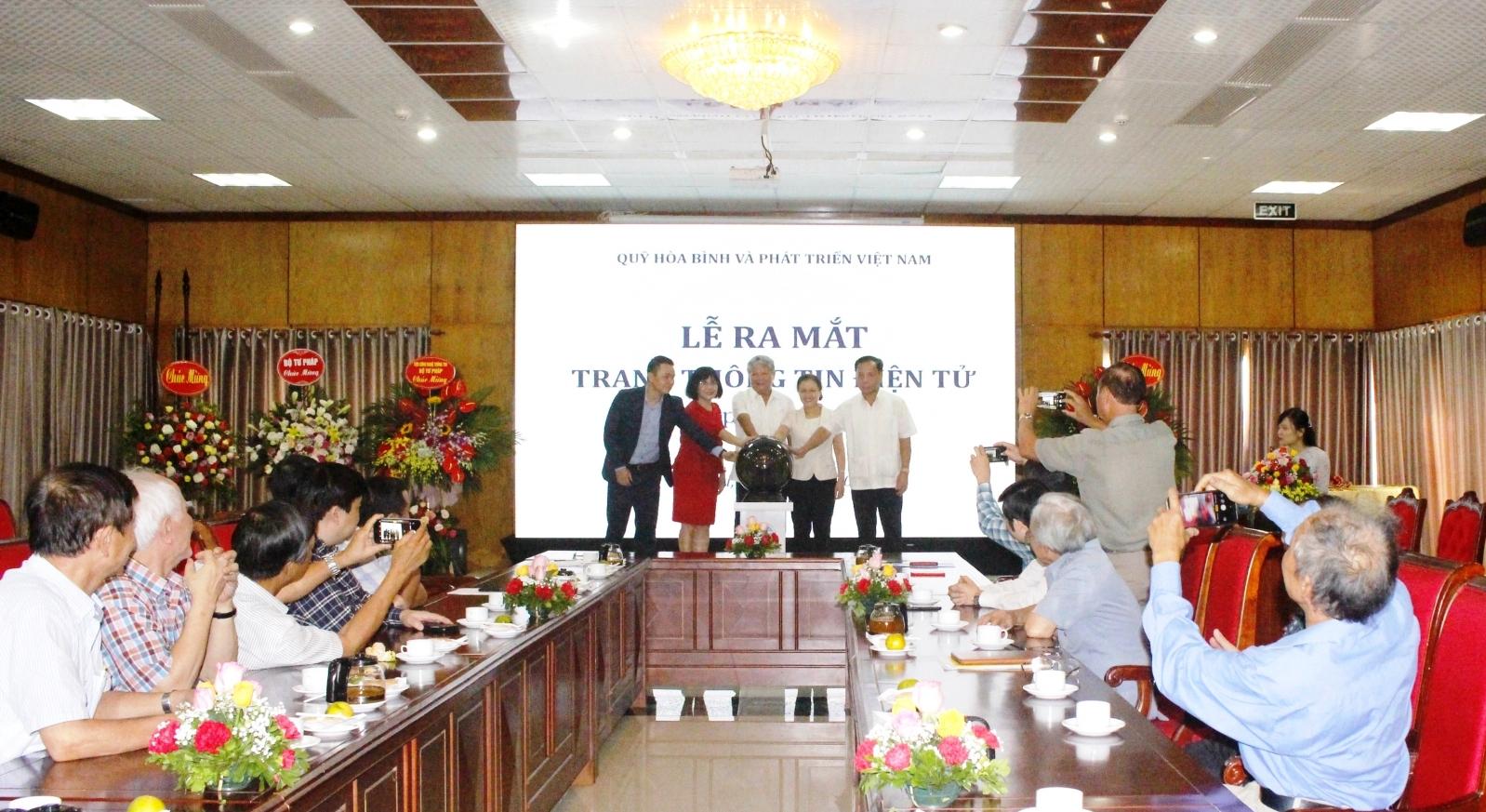 Tác động của COVID-19 tới môi trường hòa bình, an ninh và phát triển của Việt Nam
