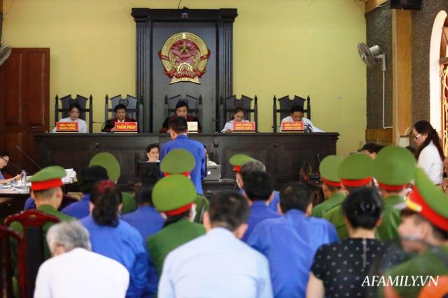 Vụ gian lận điểm thi tại Sơn La Các bị cáo xin giảm nhẹ hình phạt tù