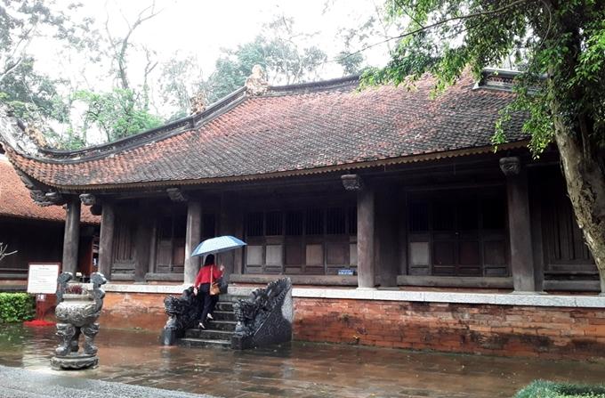 Thăm kinh thành cổ Lam Kinh