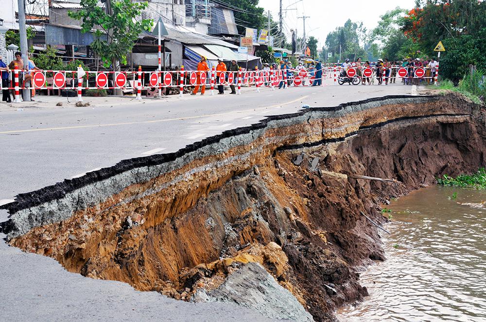 Đảm bảo an toàn tính mạng và tài sản nhân dân trong vùng sạt lở Quốc lộ 91