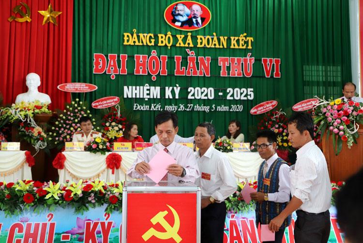 Lâm Đồng Đại hội Đảng bộ xã Đoàn Kết Đạ Huoai bầu trực tiếp Bí thư