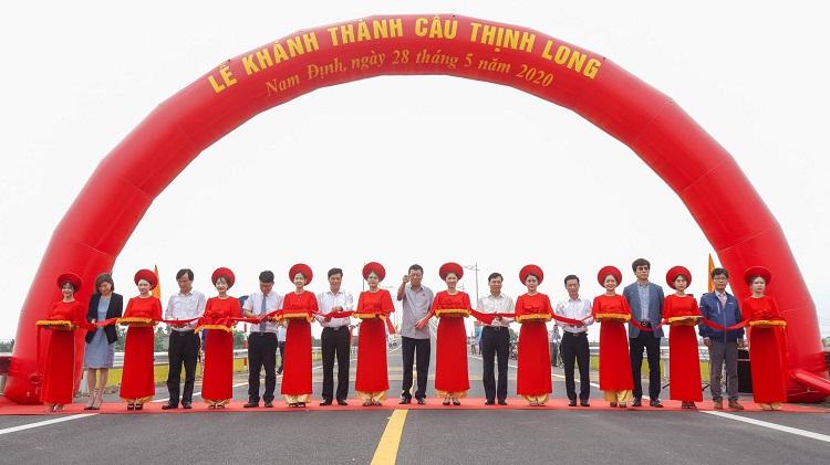 Nam Định Thông xe cầu Thịnh Long