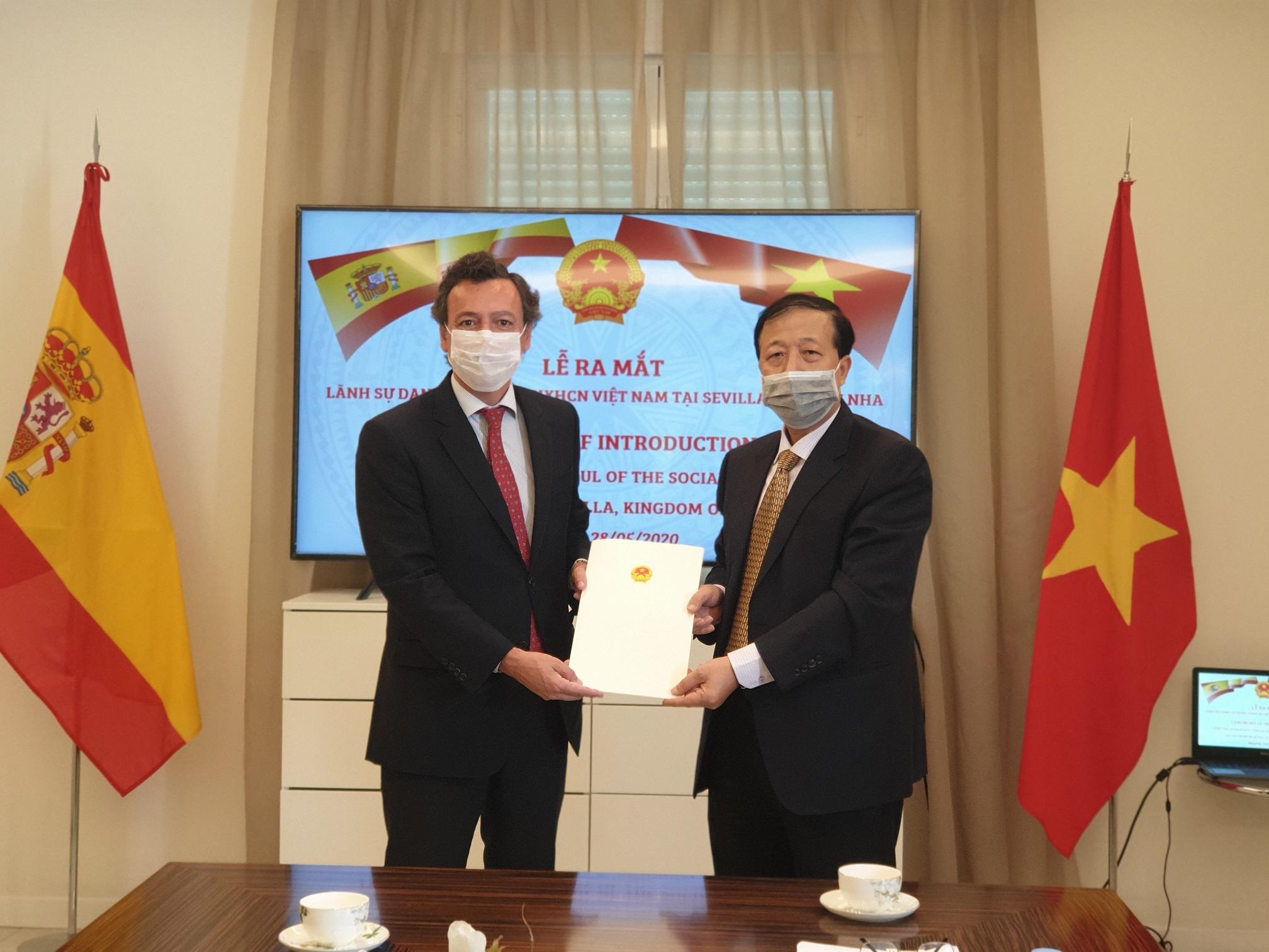 Bổ nhiệm Lãnh sự danh dự Việt Nam tại Tây Ban Nha