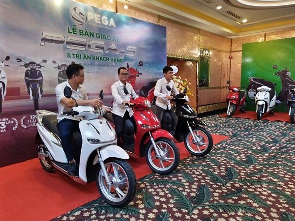 Ra mắt sản phẩm xe máy điện của Việt Nam có công suất 4000 W