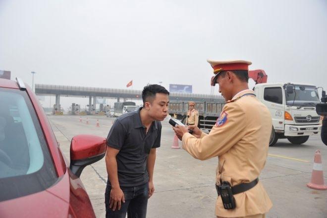 Xử lý gần 10 000 lái xe vi phạm nồng độ cồn từ ngày 15 - 29 5