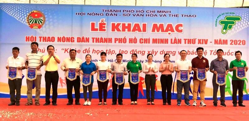 Hội viên nông dân học tập và rèn luyện sức khỏe theo gương Bác Hồ
